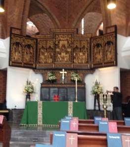 Spent a wonderful Subday morning at Christ Church, Mexico City, an Anglican Church tracing its roots to 1865, when during the reforms of Benito Juarez, a religious movement began to establish an independent church in the Catholic Tradition. This building was completed in 1992, though the triptych from England, imported in 1908.
